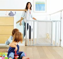 Nursery glider A Comfortable Baby gate